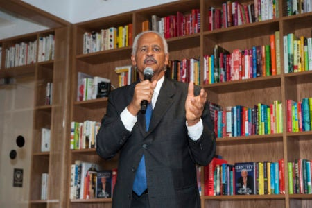 Stedman Graham Shares A Few Key Tips On Leveling Up Your Leadership Skills