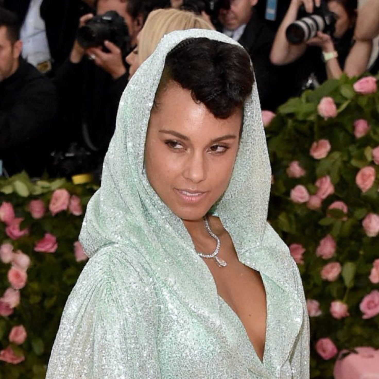 Here's Every Single Outfit Alicia Keys Wore While Hosting The Grammys