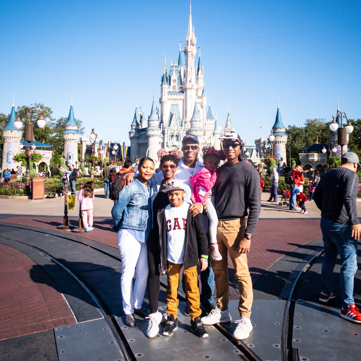 This Magic Moment Part 1: Travel to Walt Disney World with the Lewis Family