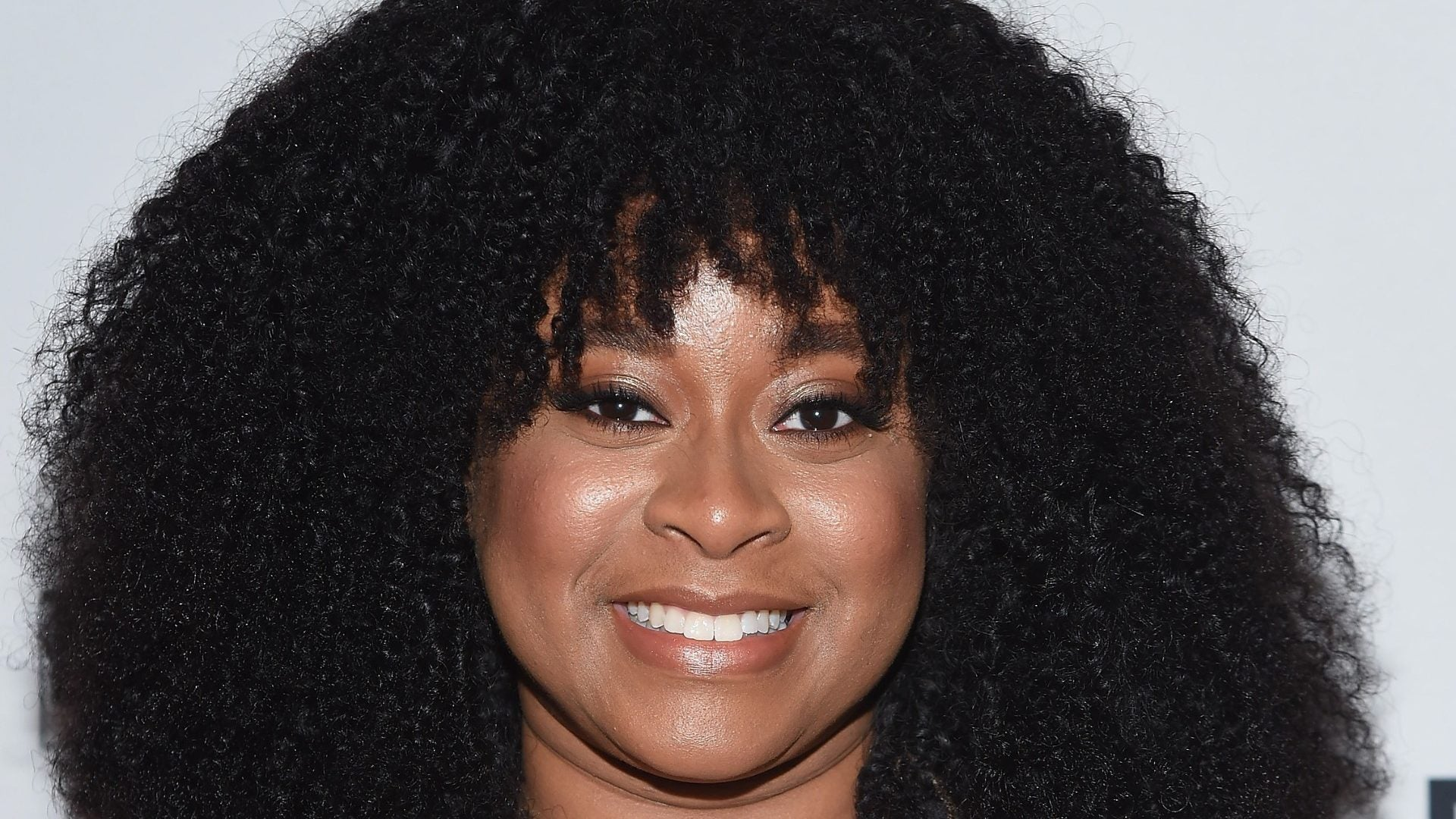 Dope Queen Phoebe Robinson Isn't Shy About Her Belly Hair