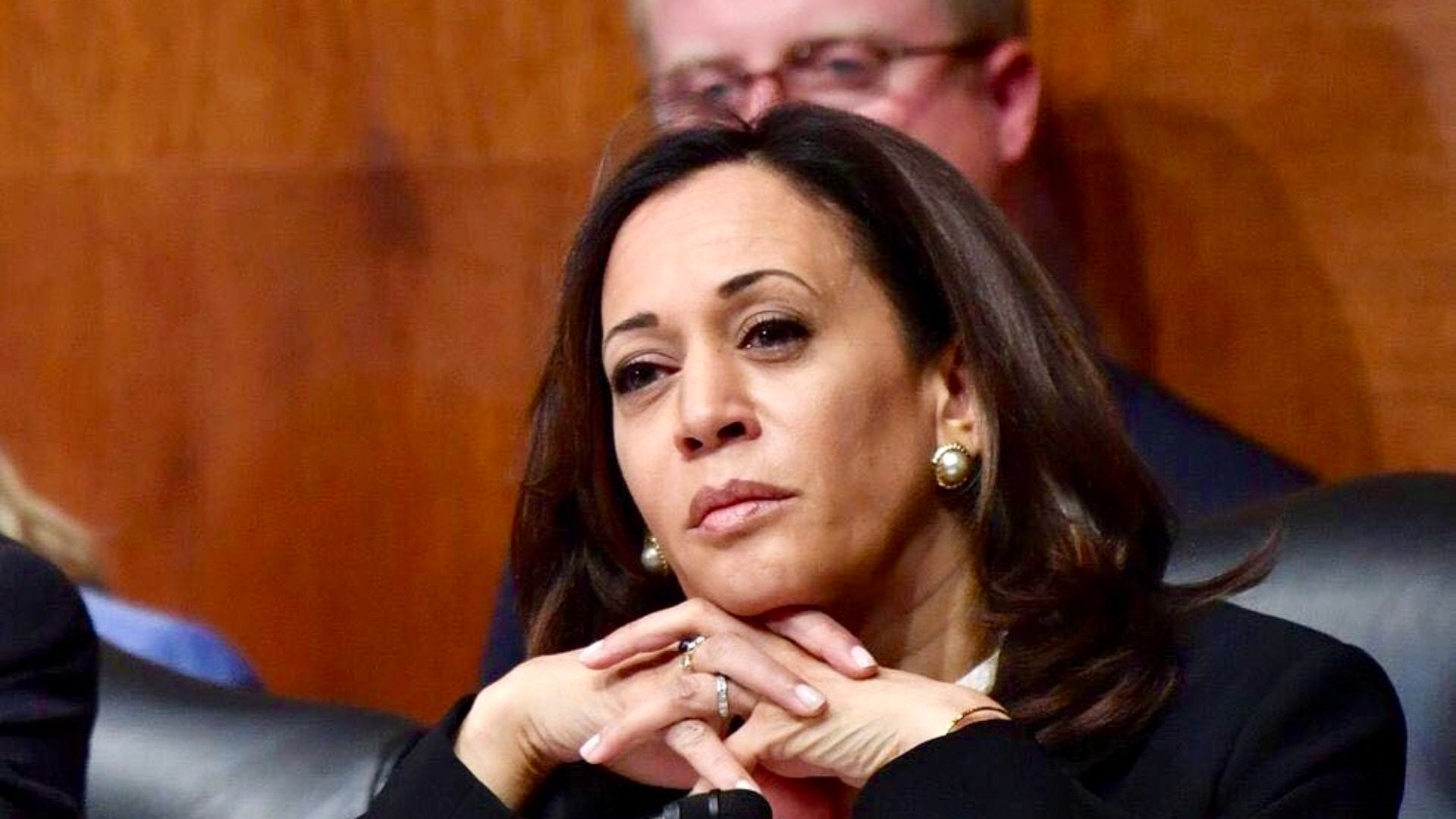 Sen. Kamala Harris Leaves U.S. A.G. Barr Flustered, Confused During Senate Judiciary Committee Hearing