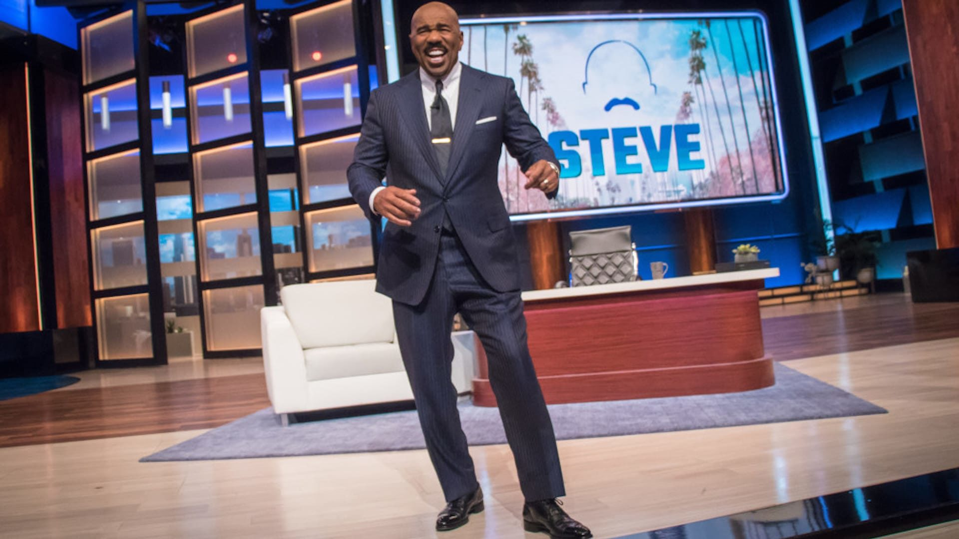 Steve Harvey Catching Heat For Saying 'Rich People Don't Sleep 8 Hours A Day!'