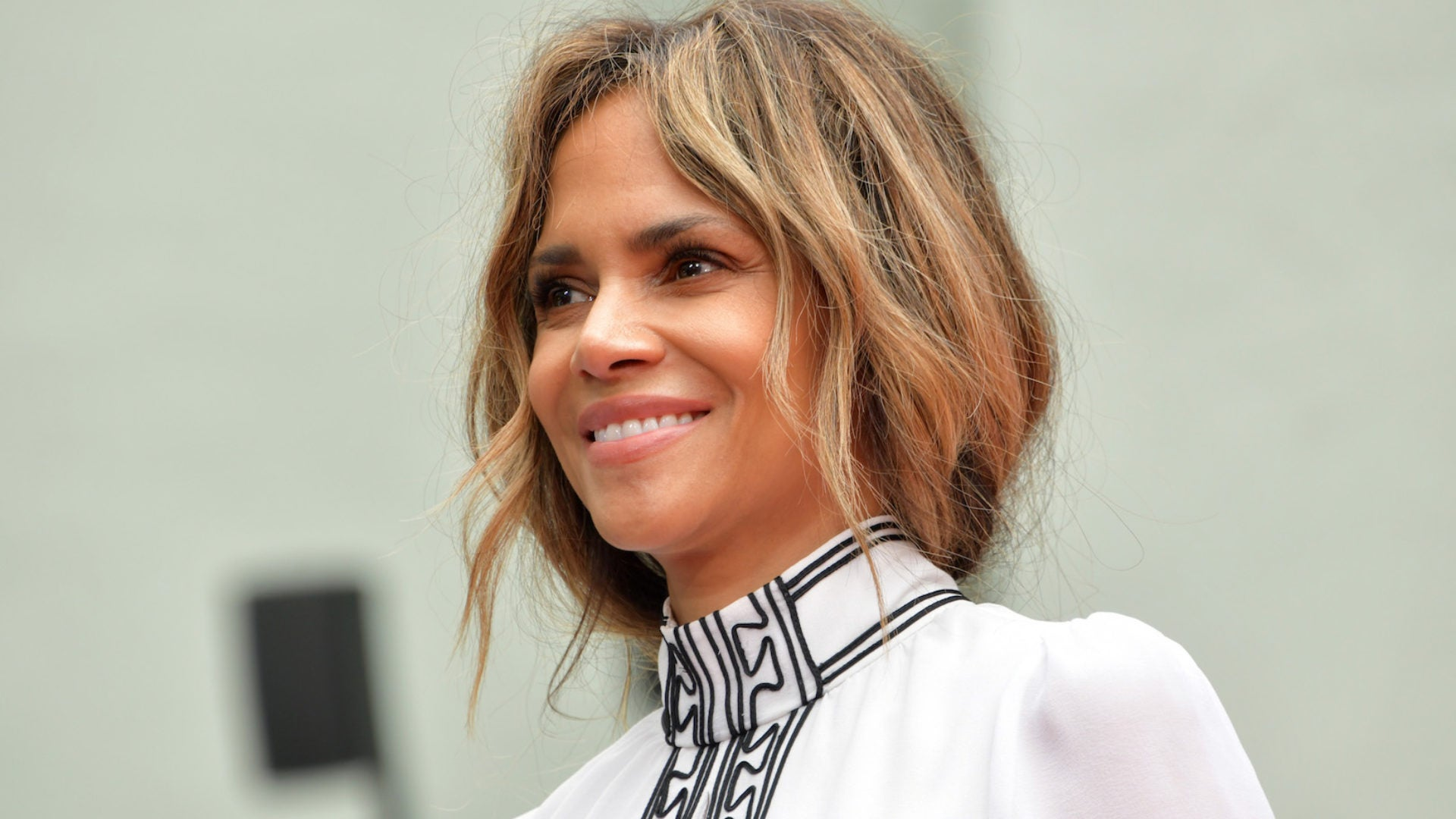 Halle Berry Opens Up About Relationship With Dad In Touching Father S Day Post