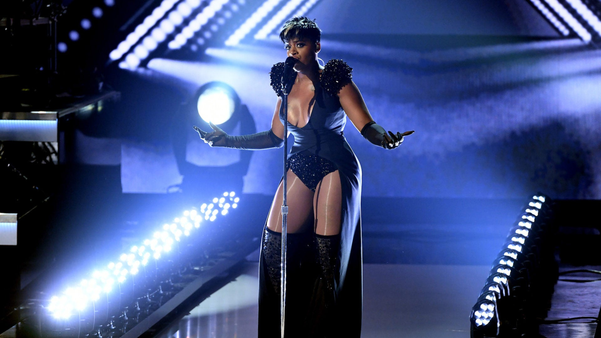 Fantasia Reveals Brother Who Survived Near Fatal Accident Will Be 'Walking Soon'