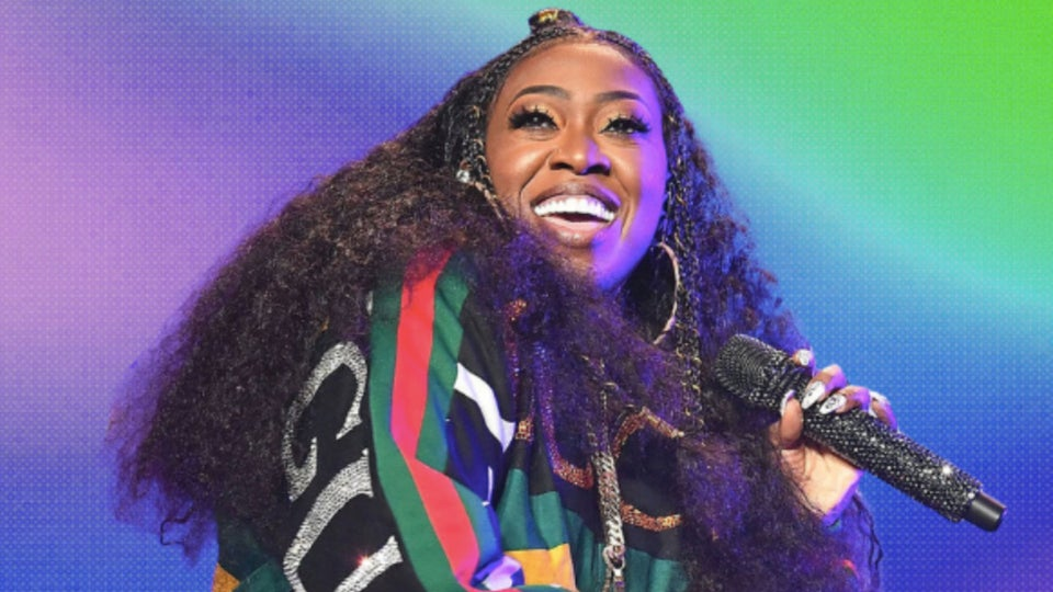 Missy Elliot Shows Us How To Smooth Out Frizzy Hair