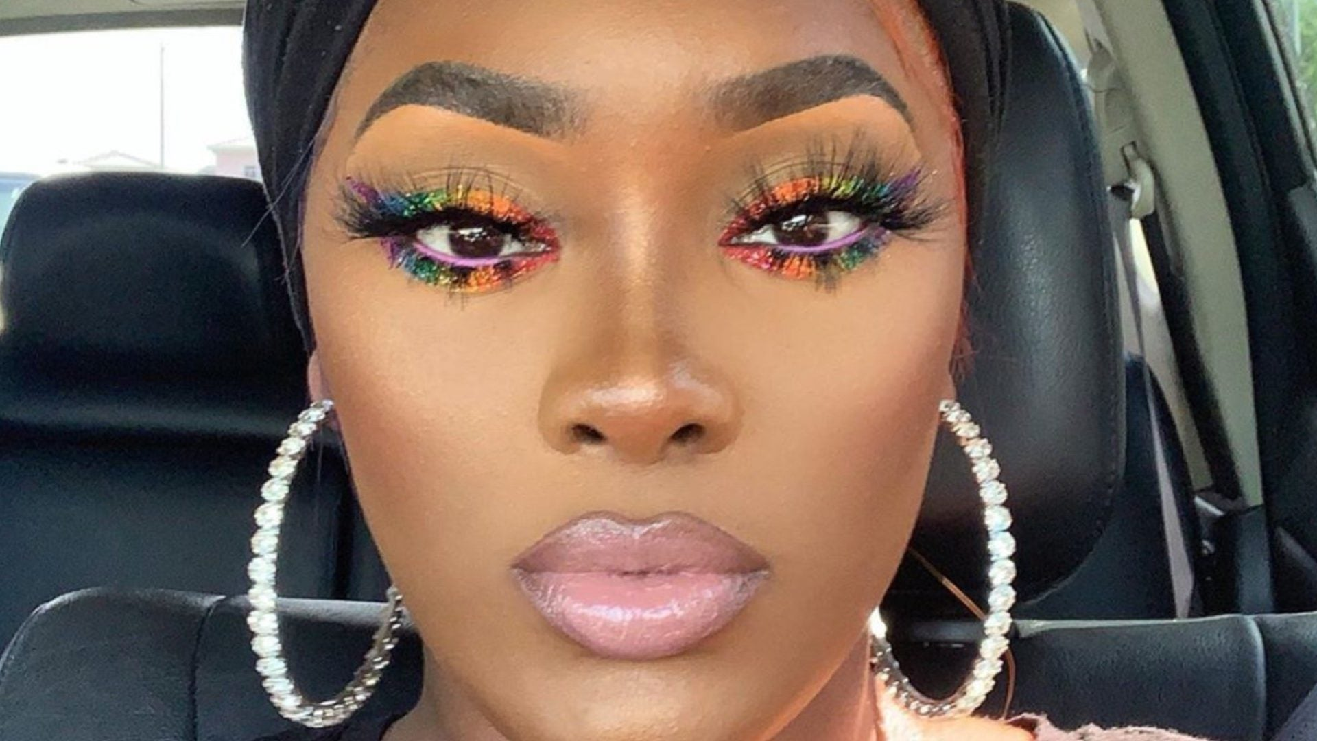 You Have To See How This Beauty Blogger Shows Off Her #Pride