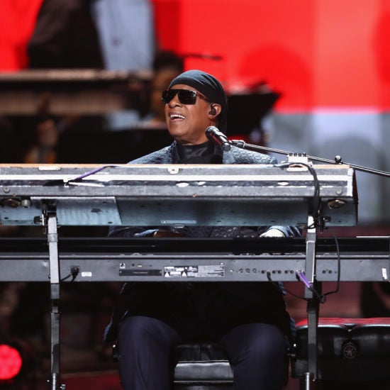 Stevie Wonder Will Undergo Kidney Transplant