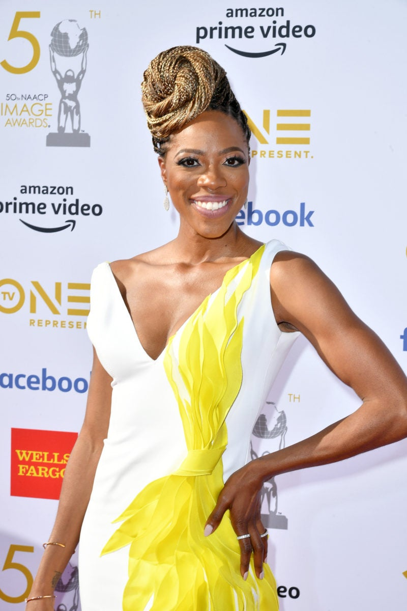 Insecure Star Yvonne Orji Is A Bombshell In Blond Box