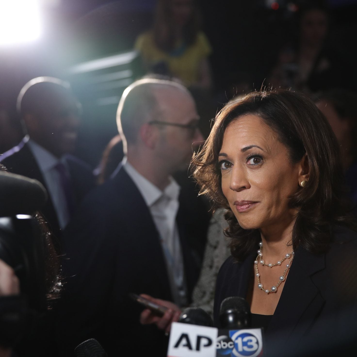 Sen. Kamala Harris, Rep. Alexandria Ocasio-Cortez Introduce Bill To Help People With Criminal Records Get Housing