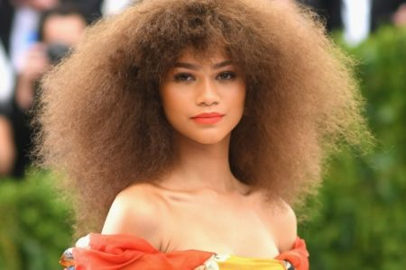 Selfies For Zendaya Grows In Popularity As The Star Responds To The Hashtag