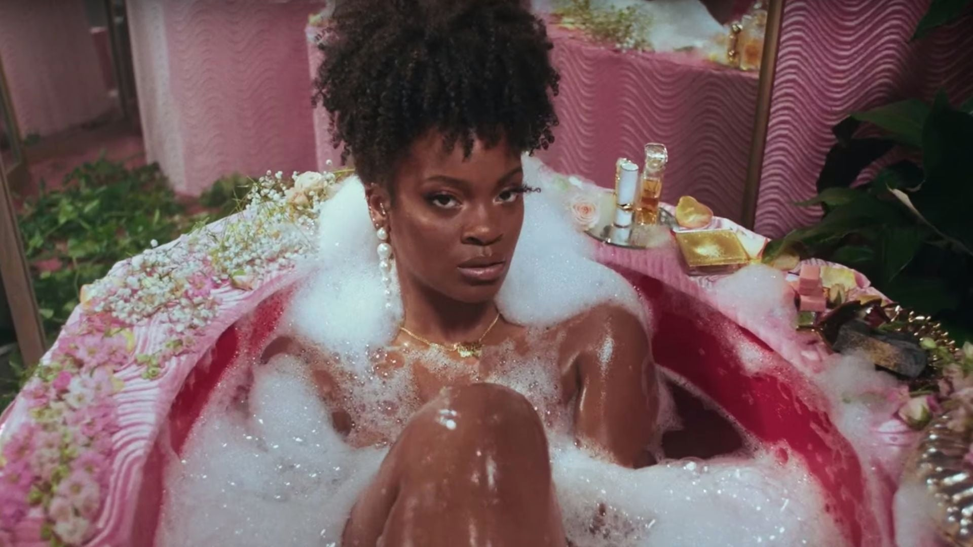 Ari Lennox Pays Homage To Missy Elliott And Total In New Music  Video For 'BMO'
