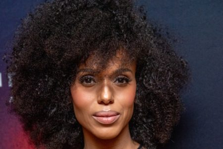 Kerry Washington Looks Stunning In Natural Curls