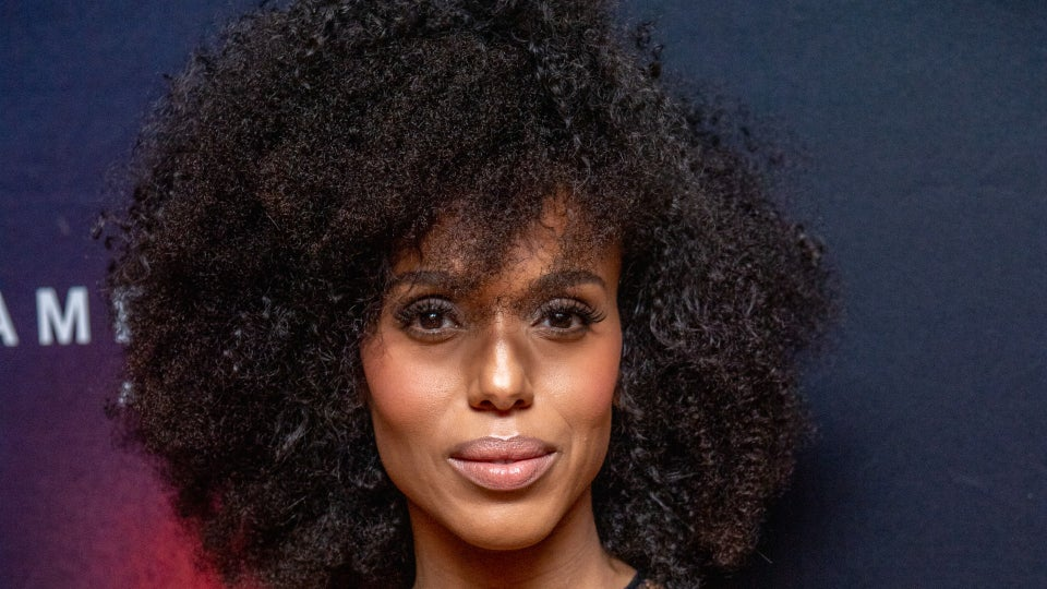 Kerry Washington Looks Stunning In Natural Curls