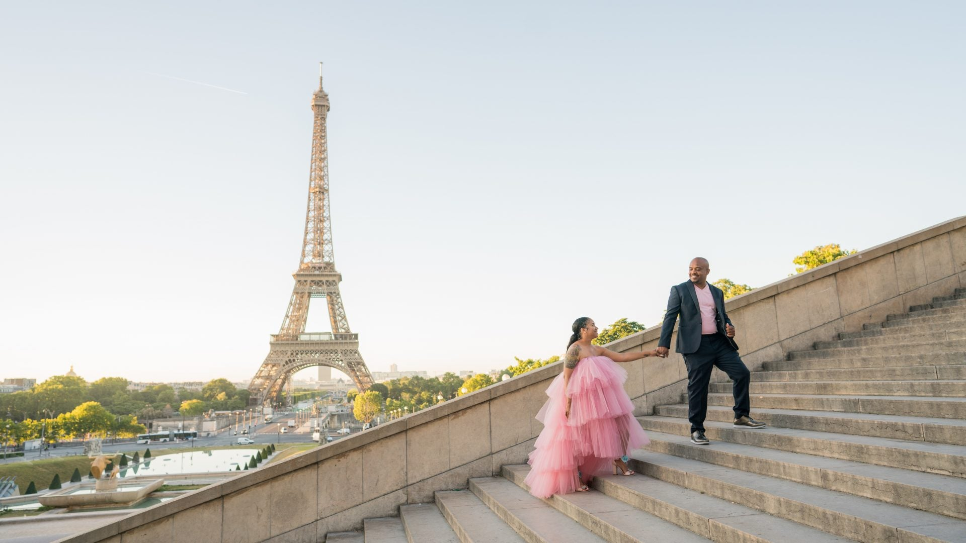 This Vow Renewal Ceremony In Paris Took Us Up, Up And Away