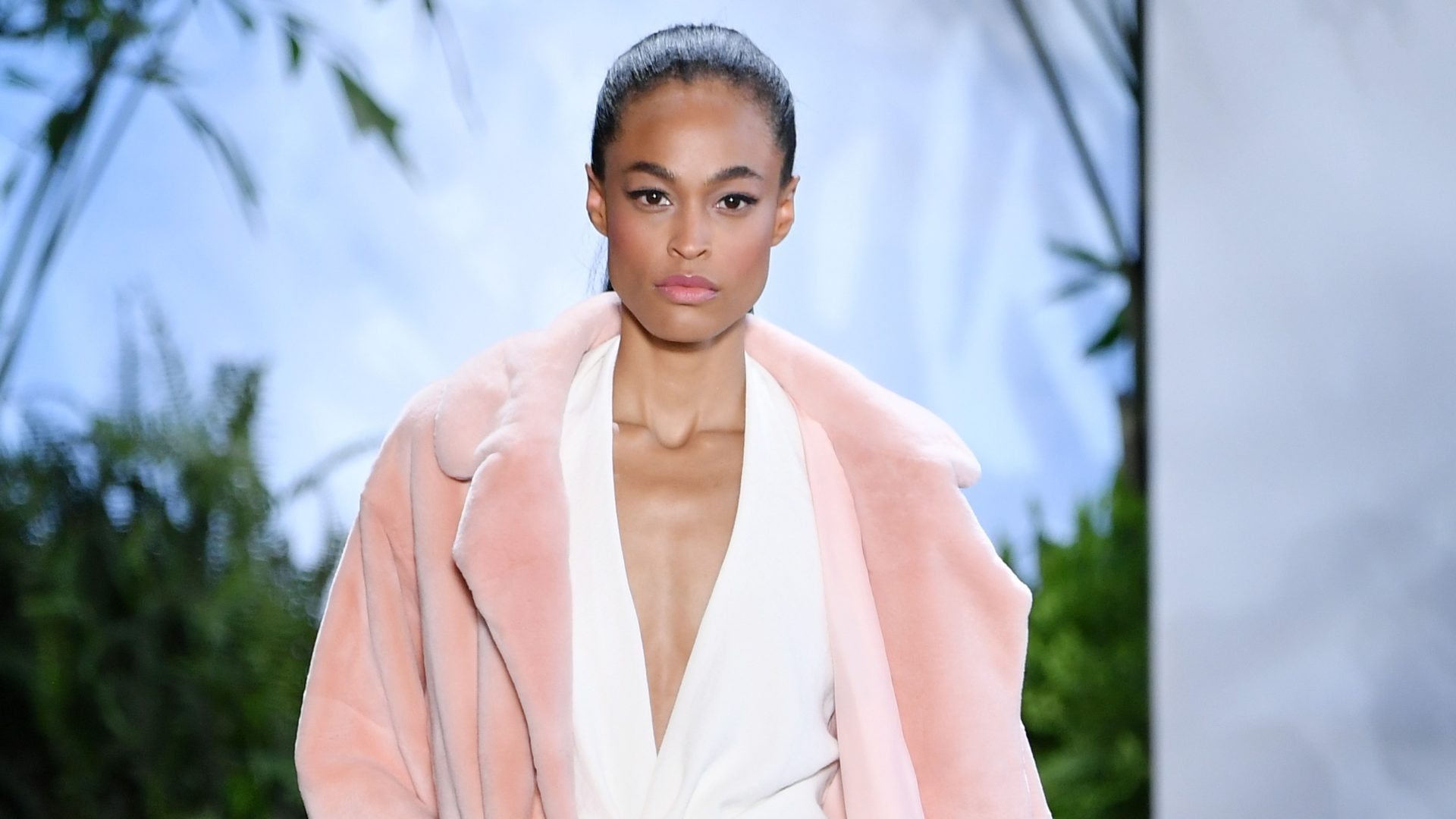 NYFW: Dennis Basso Presents A Sleek Spring/Summer 2020 Collection