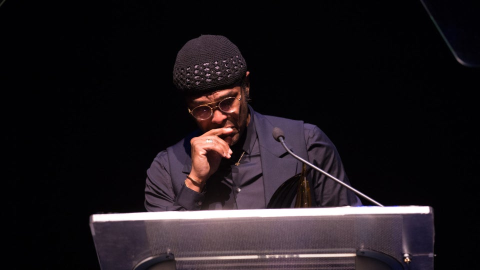 Maxwell Brought To Tears While Accepting Achievement Award From Congressional Black Caucus