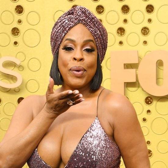 Niecy Nash Stuns On Emmys Red Carpet In Custom Christian Siriano
