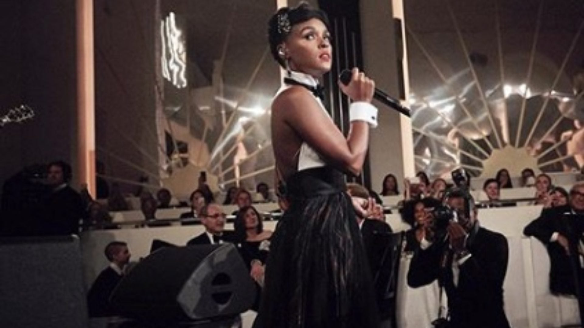 NYFW: Janelle Monáe's Jazz Performance At The Ralph Lauren Show Was A Definite Fashion Week Win!