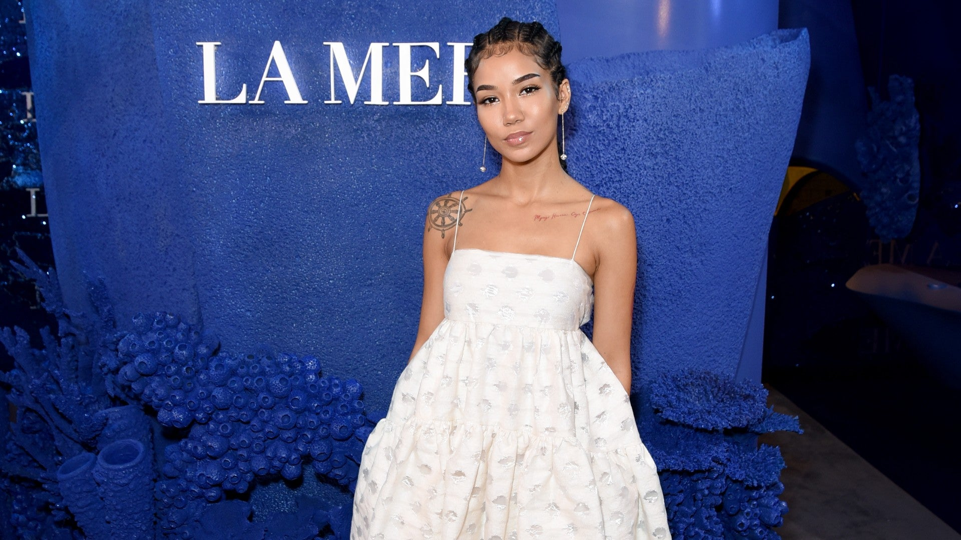 Jhené Aiko Tried To Deal With Her Acne In This Bizarre Way