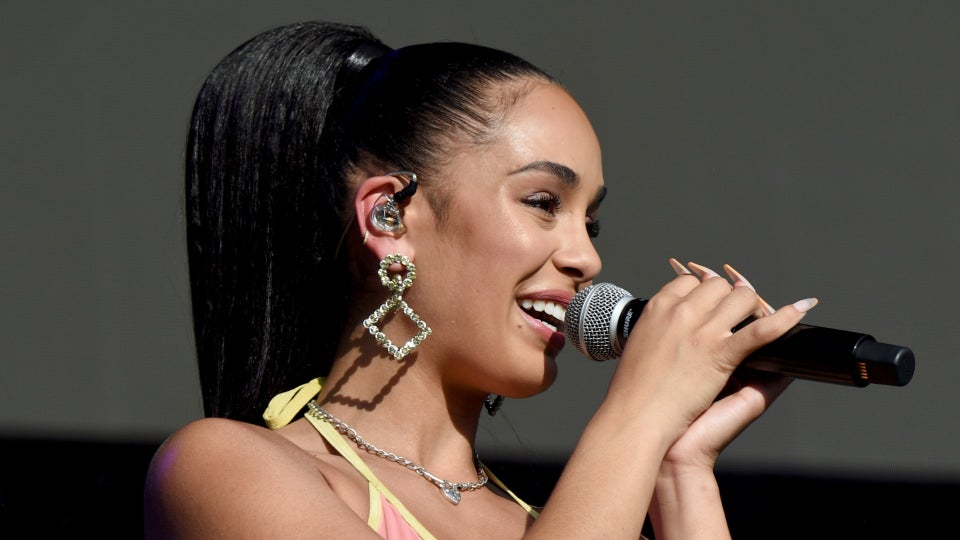 Jorja Smith's Makeup Artist Breaks Down How To Get The Singer's Effortless Glow