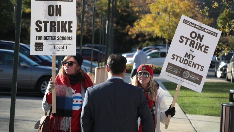Chicago Teachers Strike: More Than 32,000 Teachers, Staff Walk Out