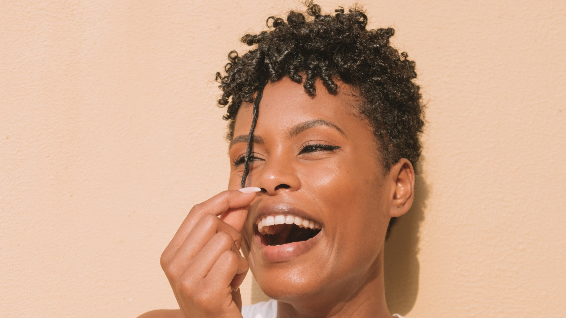 5 Glossy Serums For Restoring Dry Hair
