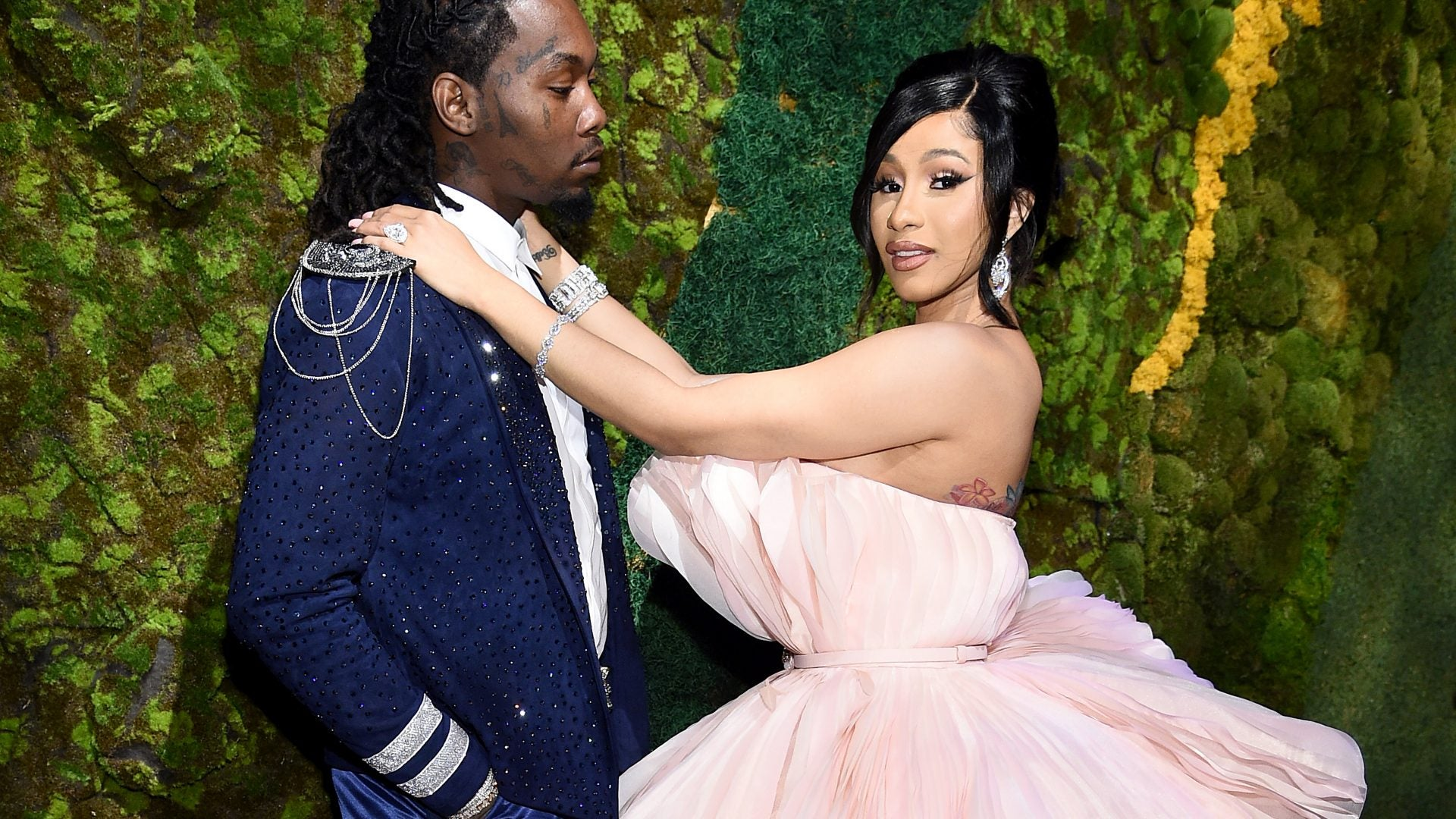 Cardi B Gets A Massive Wedding Ring Upgrade From Offset