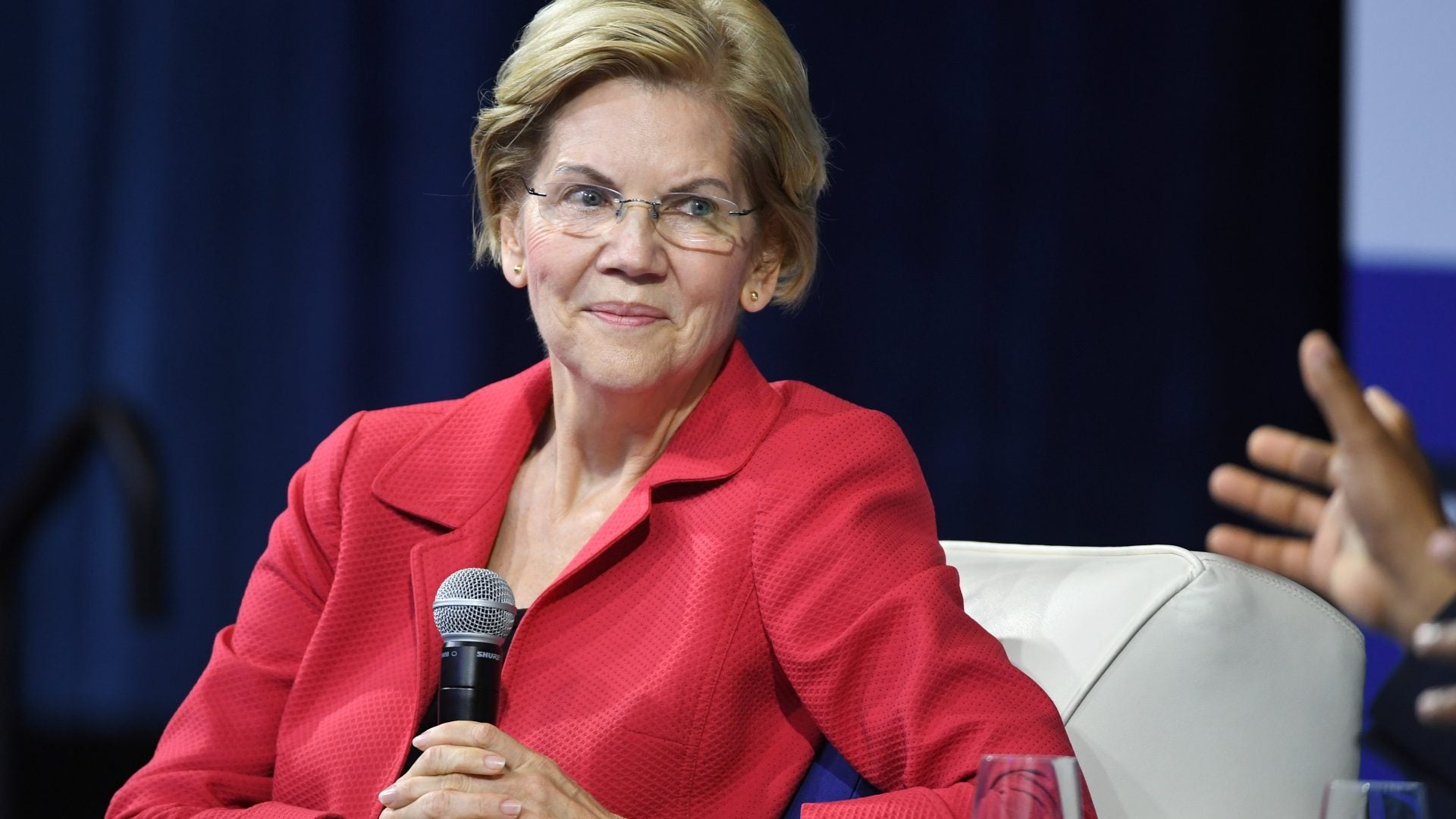 Elizabeth Warren Places Communities Of Color At Heart Of Environmental Justice Plan