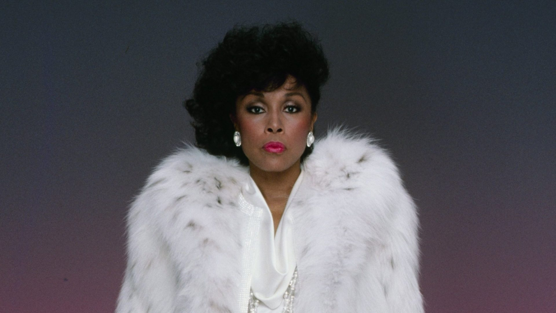 Remember Her Legacy: 15 Of The Best Diahann Carroll Looks