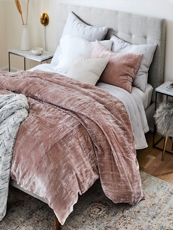 What I Screenshot This Week: Velvety Comforters To Combat The Cold