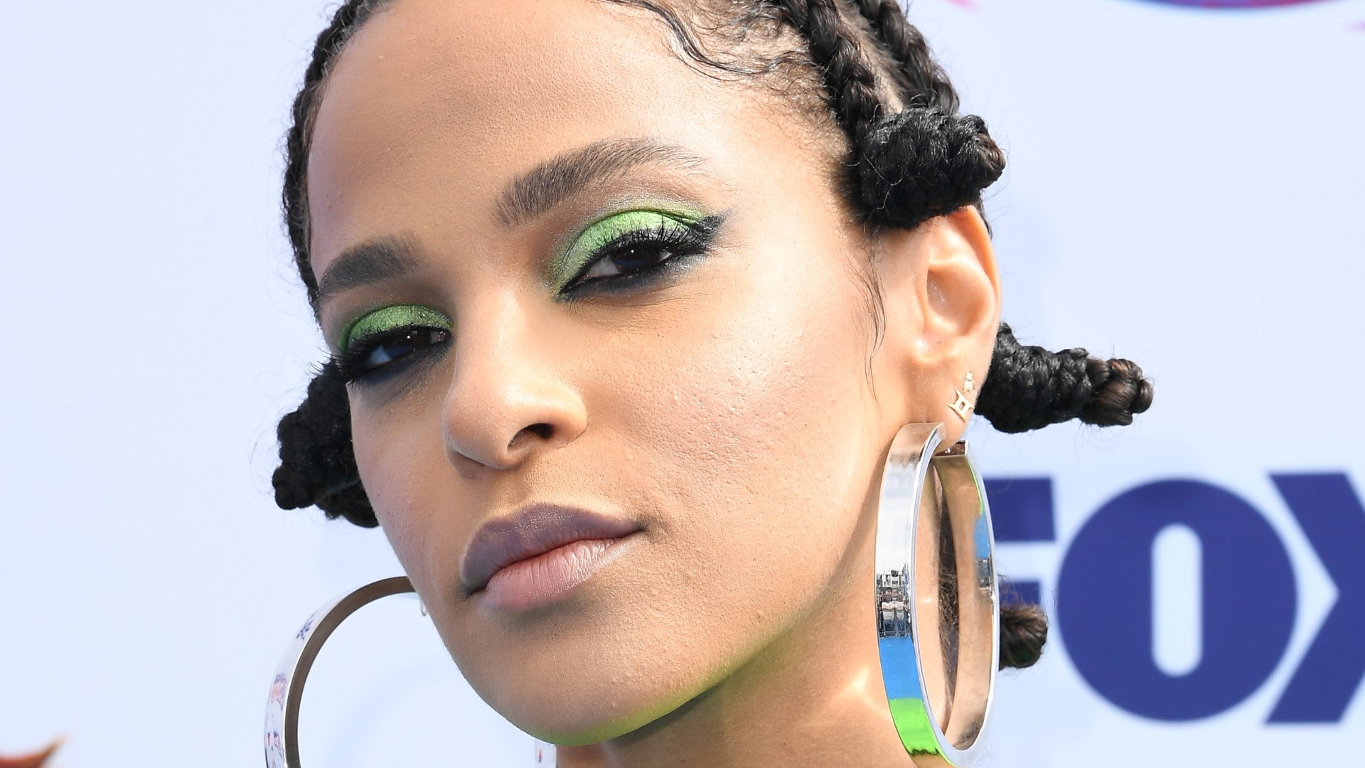 9 Beautiful Bantu Knot Styles To Try Right Now