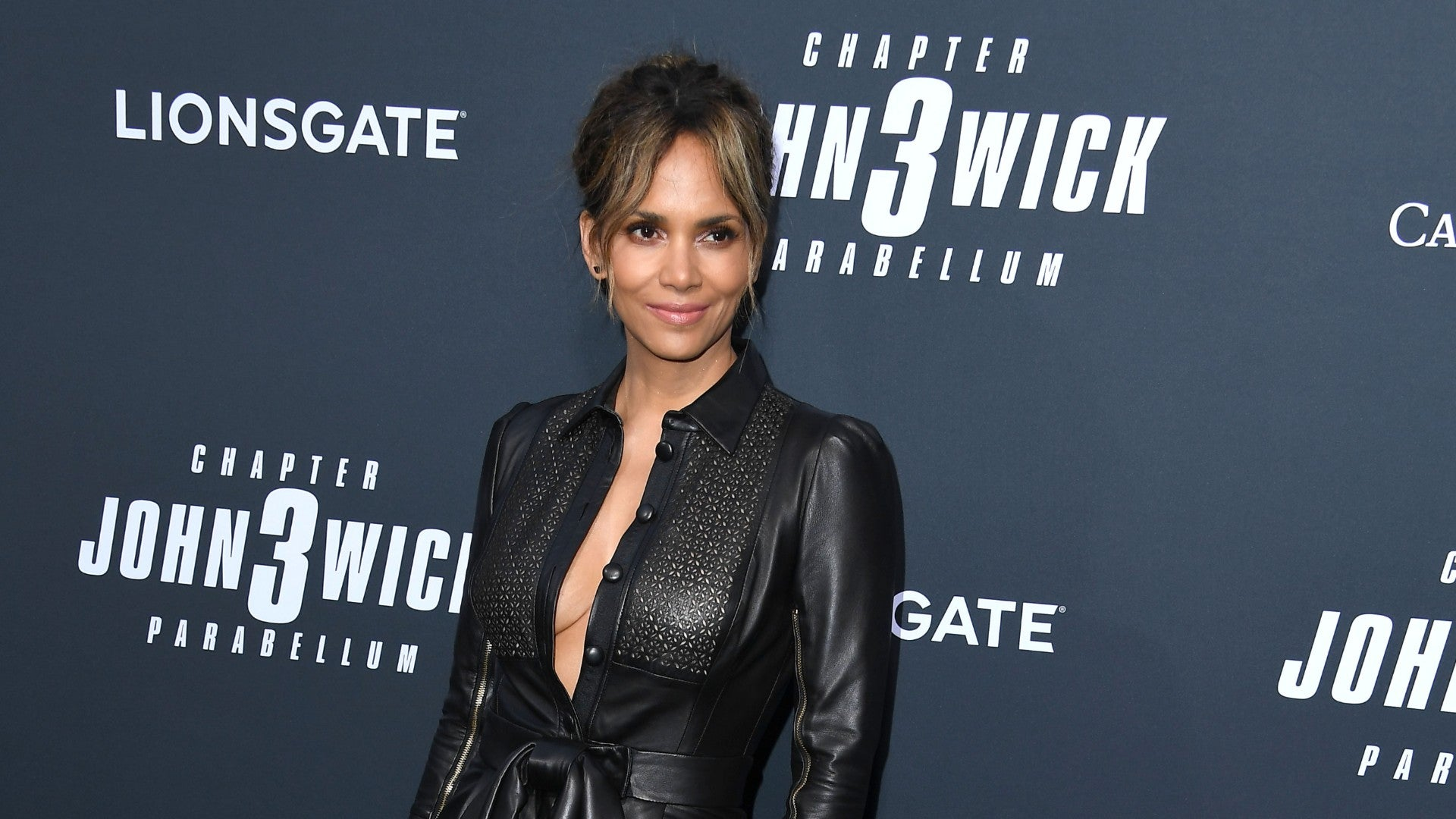Halle Berry's Shows Off Her Drool-Worthy Abs