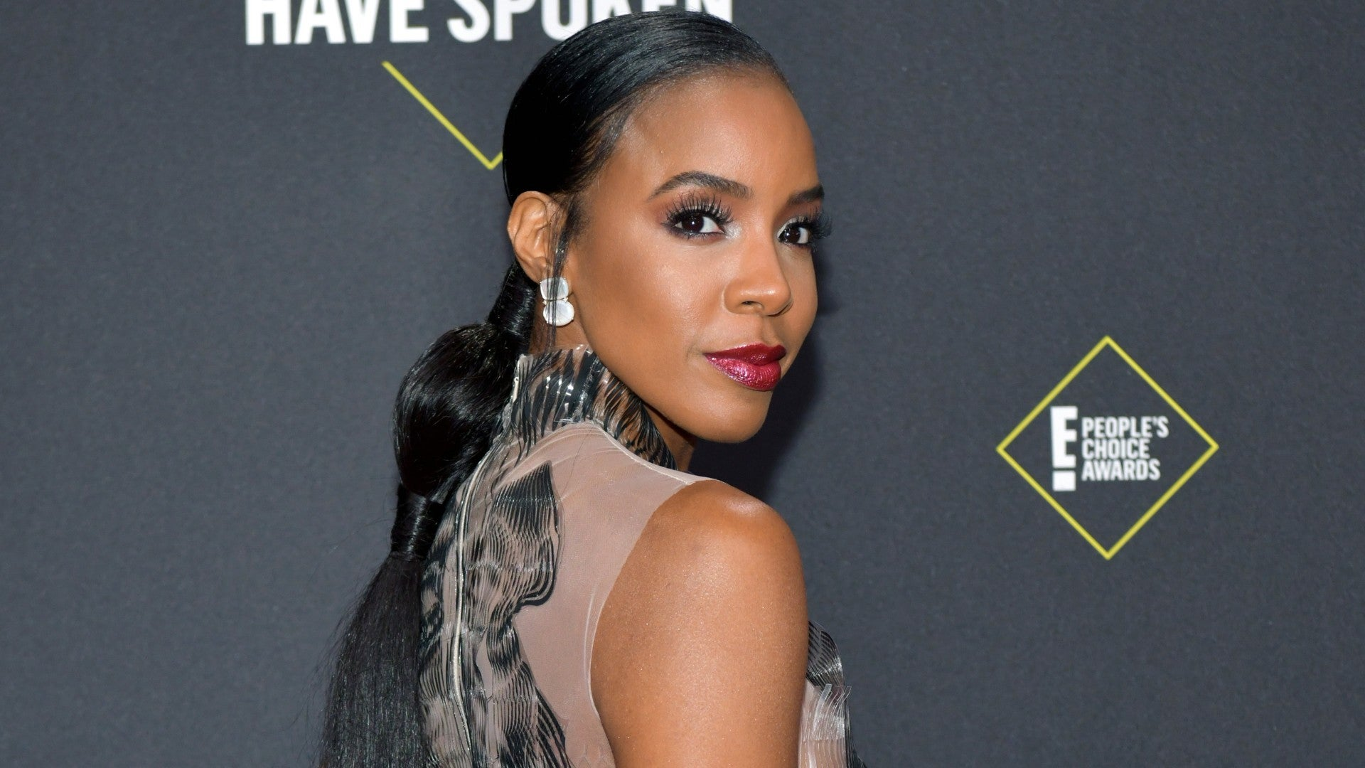 Red Carpet Beauty From The E! People's Choice Awards