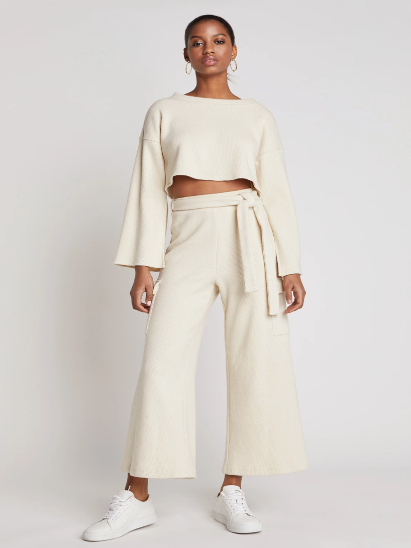What I Screenshot This Week: The Tale Of The Fire Two-Piece Knit Set