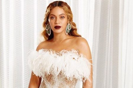 Beyonce Is Giving Us The Holiday Hues