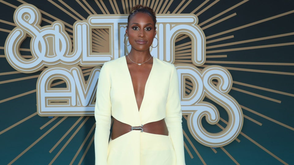 Issa Rae Pays Homage To This 90s Trend
