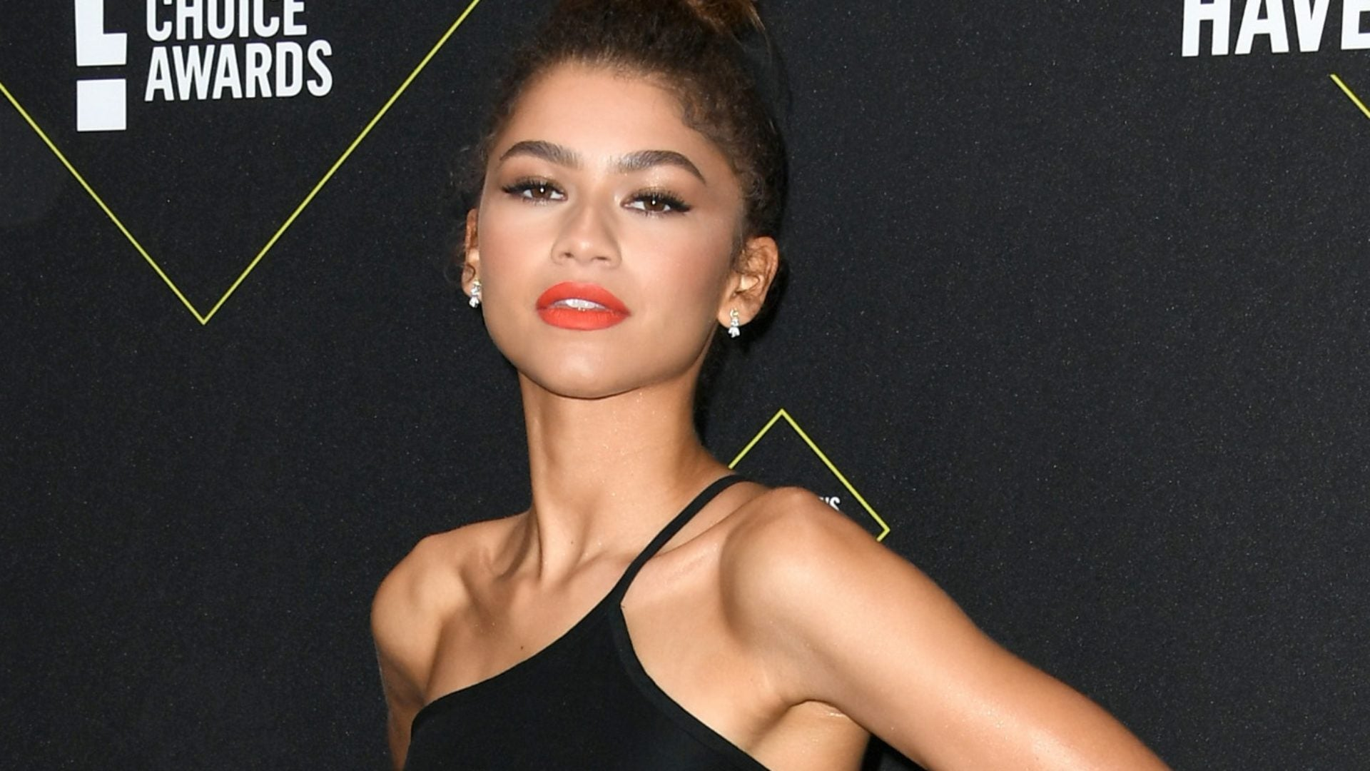 The Best Dressed From The 2019 E! People's Choice Awards