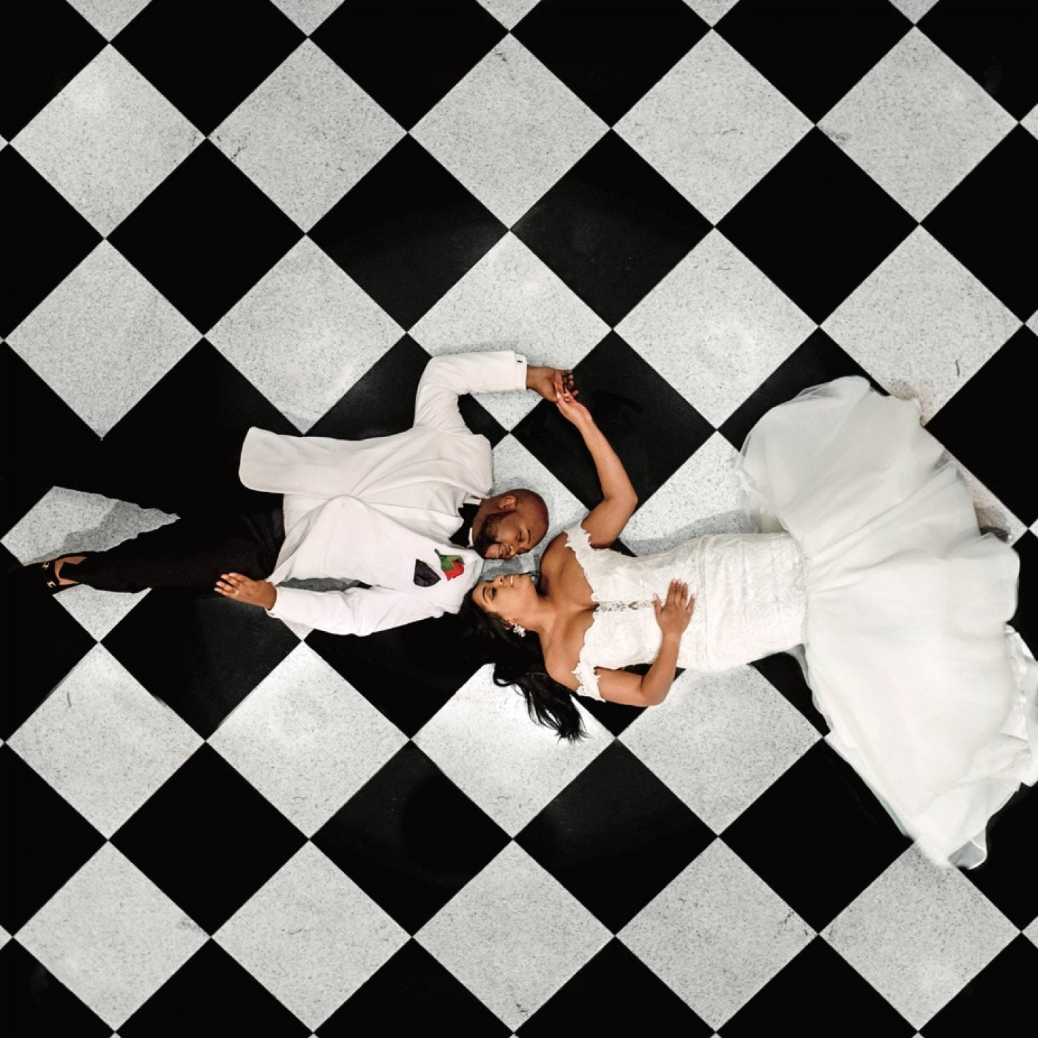 Meet The Married Couple Behind Those Epic Wedding Photos You've Seen On Instagram