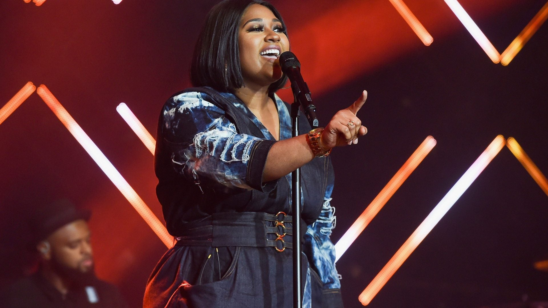 We Can't Get Over Jazmine Sullivan's Visual and Vocal Slayage In Niia's New Video, 'Sideline'