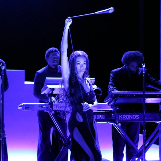 Solange Stuns In 9-Minute 'When I Get Home' Performance On 'Jimmy Fallon'