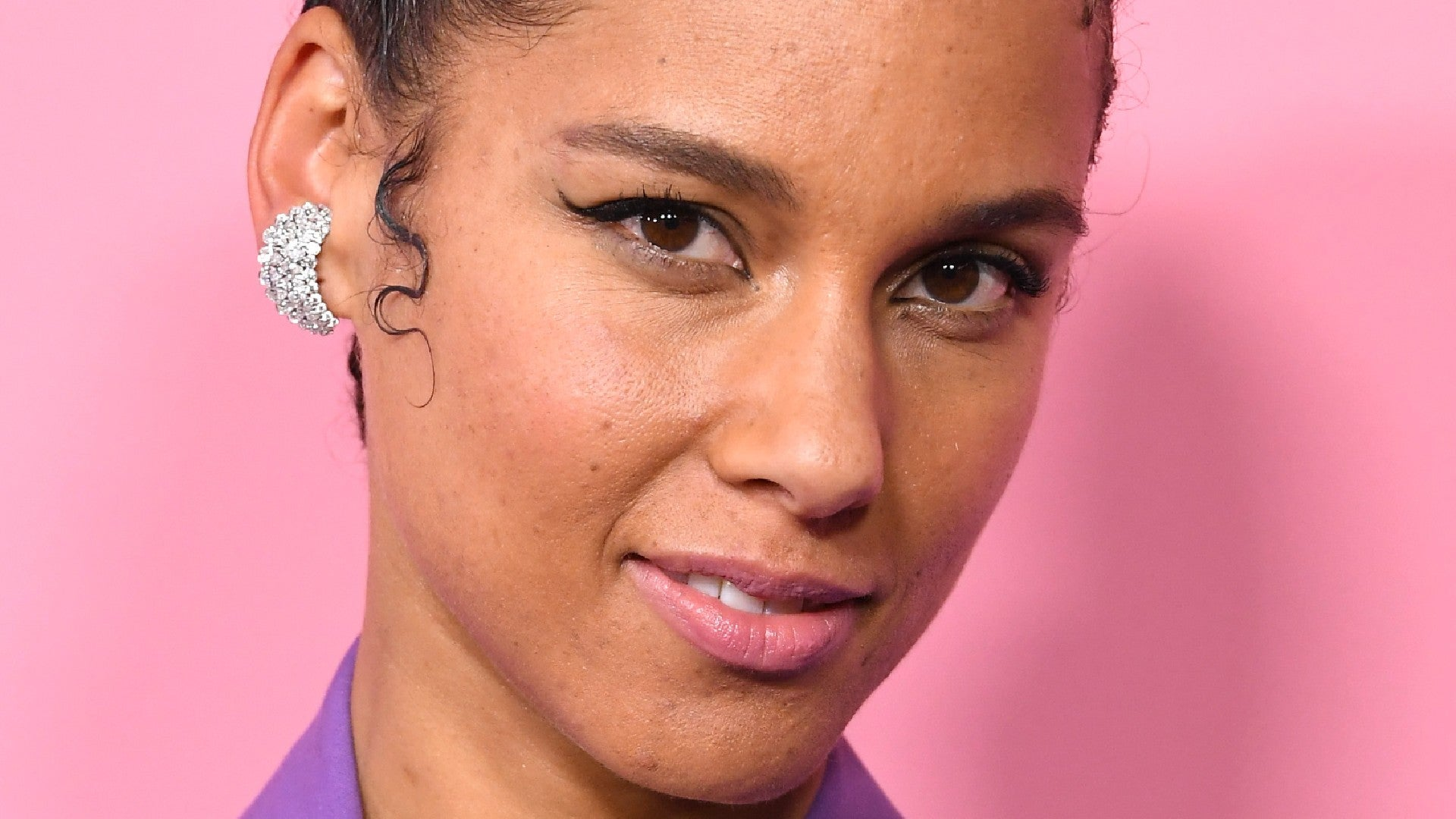Alicia Keys Laid Her Edges With This $7 Product For The Grammys