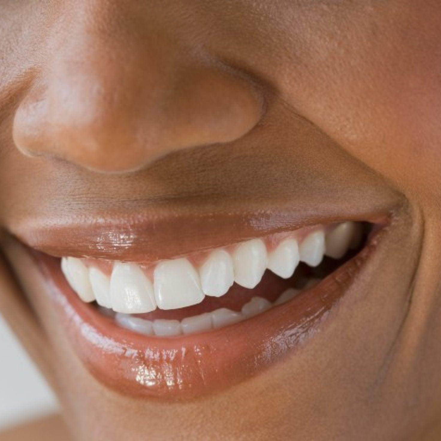 5 Non-Stick Lip Glosses Your Chapped Lips Will Love