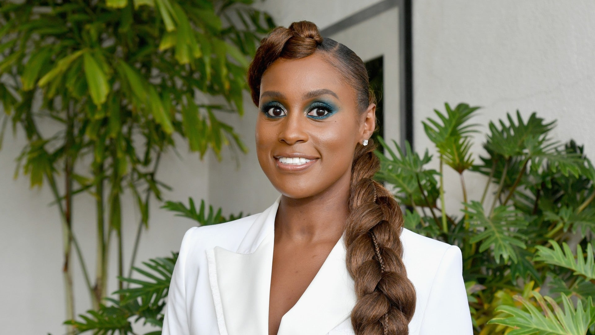20 Times We Wanted To Copy Issa Rae\'s Hair And Makeup - Essence