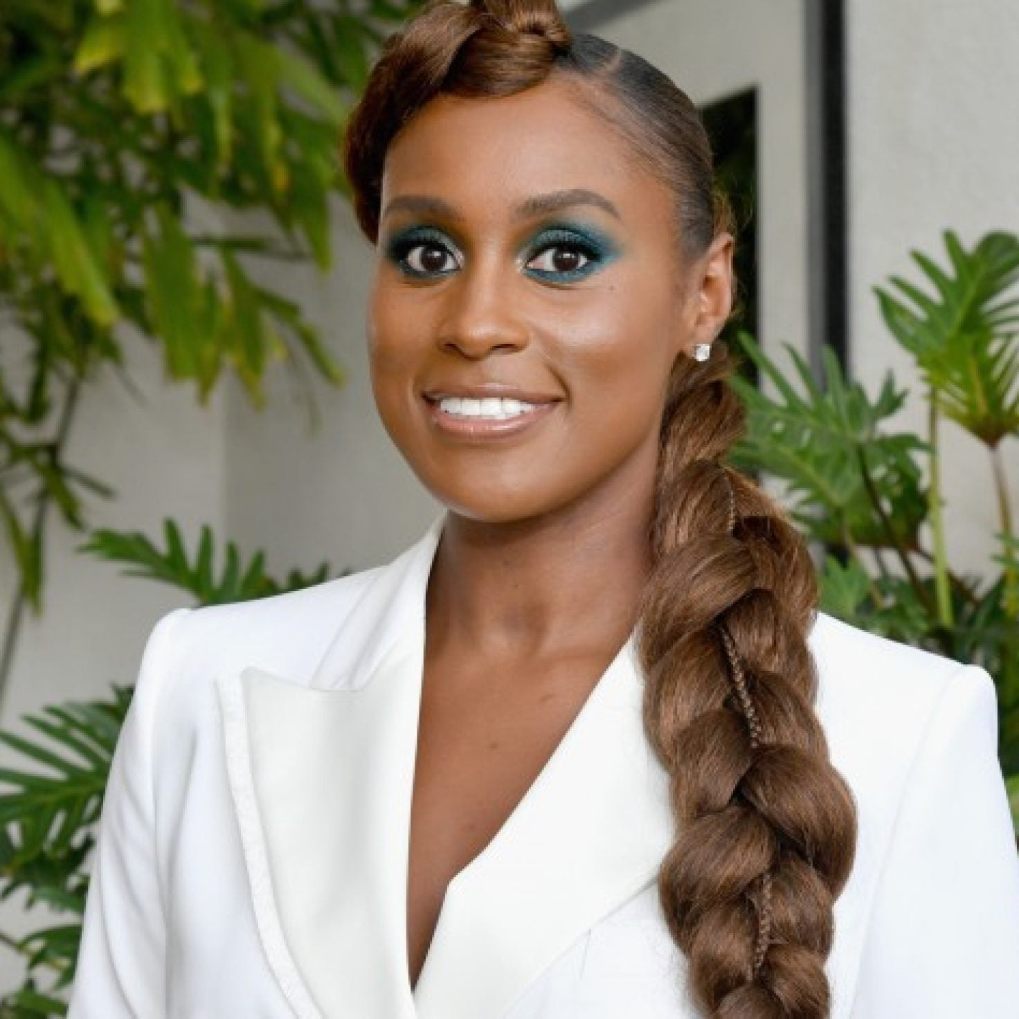 20 Times We Wanted To Copy Issa Rae's Creative Hair And Cool Makeup