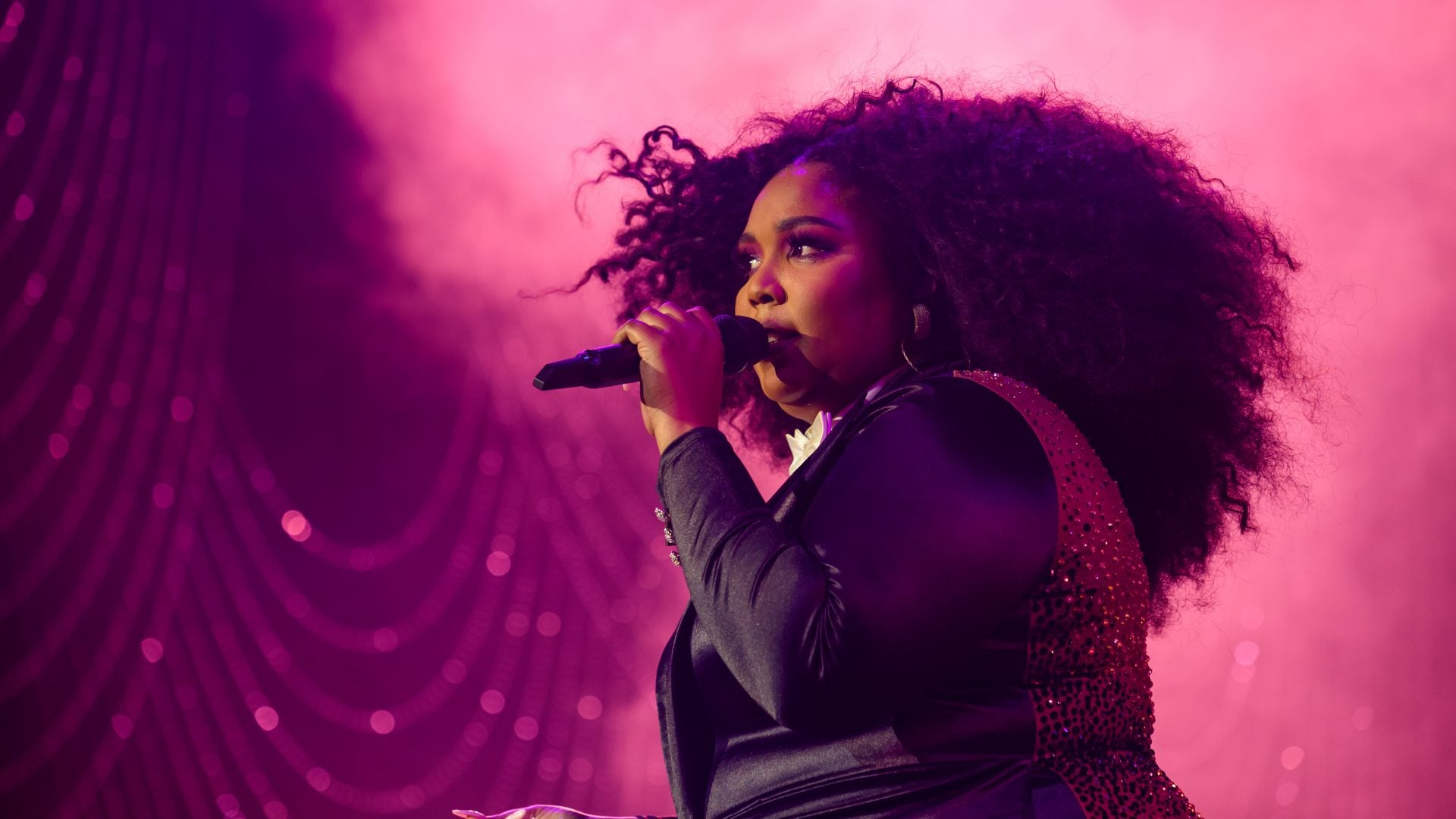 Lizzo Reflects On Her Inspirational Glow-Up In The Last Decade