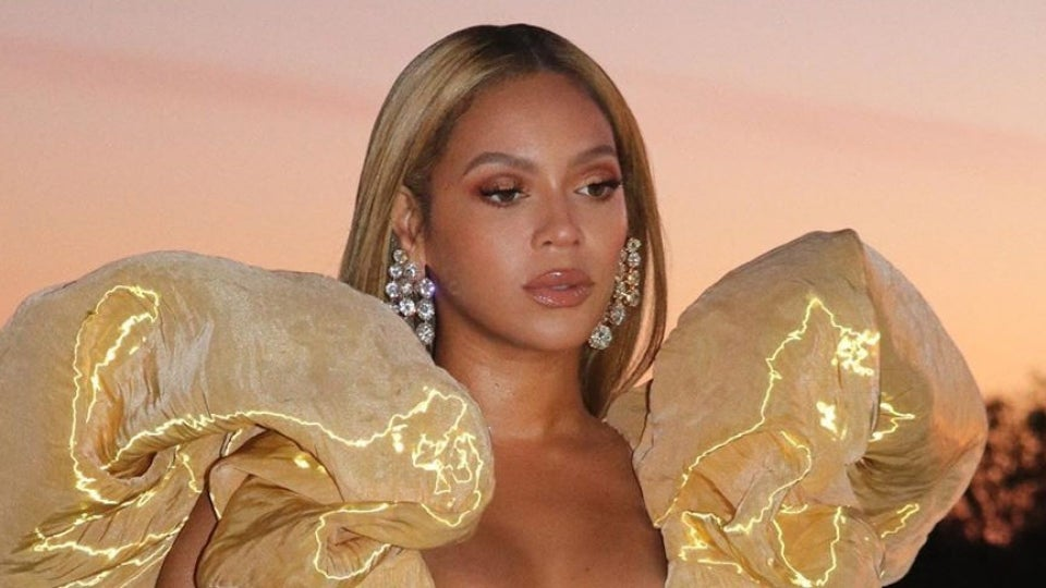 Here's Everything You Need To Know About Beyoncé's Golden Globes Look
