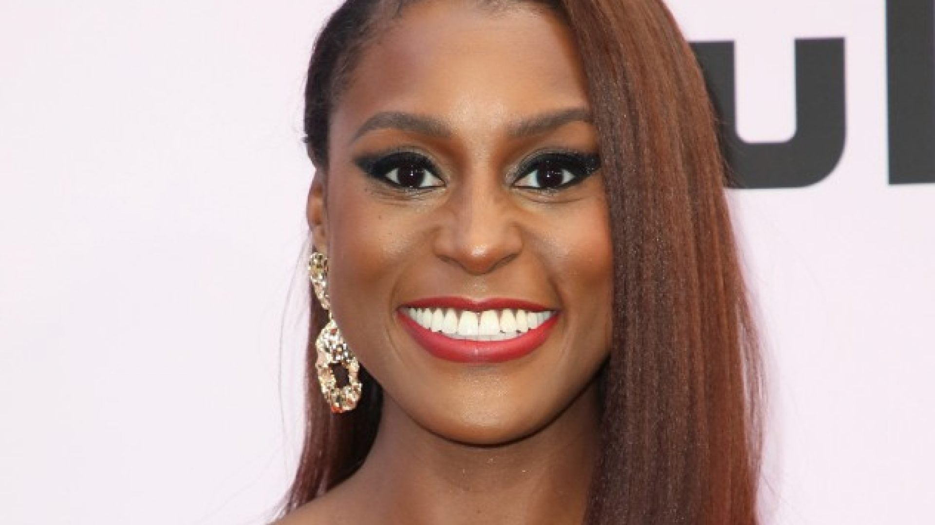 Issa Rae Wore The Perfect Valentine's Day Look To The World Premiere Of 'The Photograph'