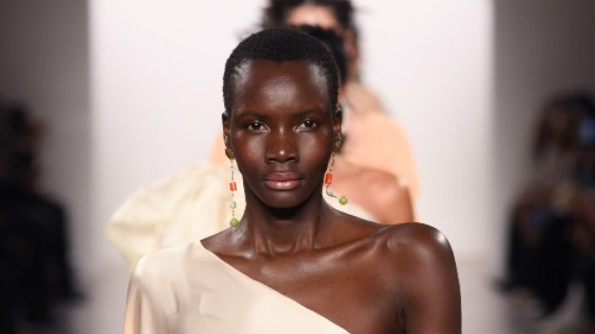 Get This Runway Makeup Look From NYFW In 5 Minutes