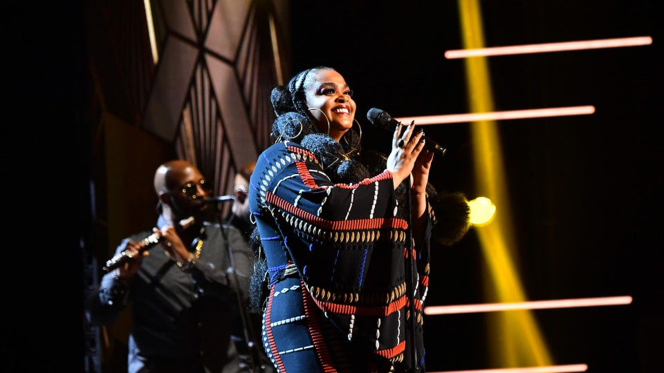 Jill Scott Had Every Celebrity Singing Along During NAACP Image Awards Performance