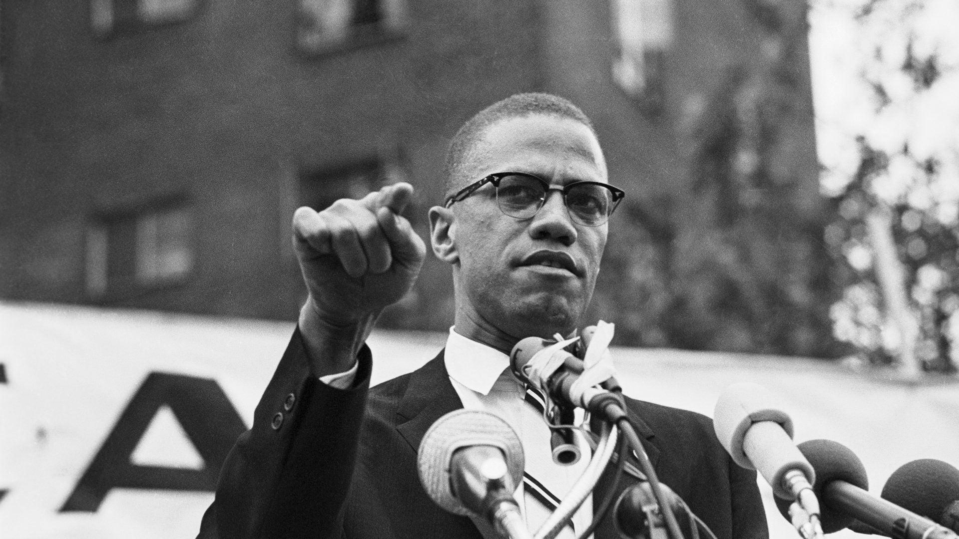Manhattan DA Reexamining The Assassination Of Malcolm X